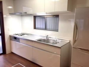 キッチン空間を明るく一新